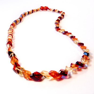 /307-497-thickbox/rhombus-shaped-genuine-baltic-amber-necklace.jpg