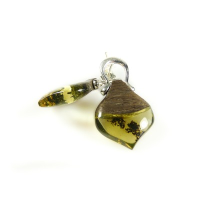 /529-737-thickbox/green-amber-earrings-with-black-oak.jpg