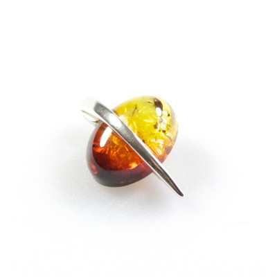 /621-832-thickbox/silver-burning-amber-cut-oval-pendant.jpg