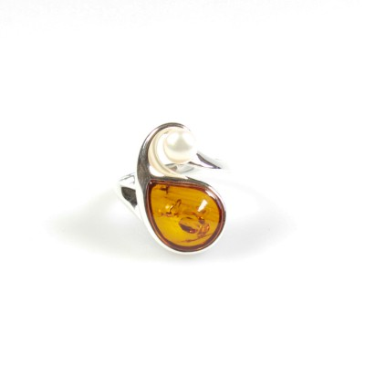 /626-838-thickbox/royal-cognac-amber-ring-with-pearl-.jpg