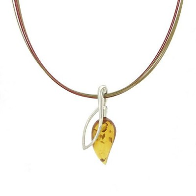 /74-177-thickbox/amber-pendant-on-colored-steel-wire-necklace.jpg